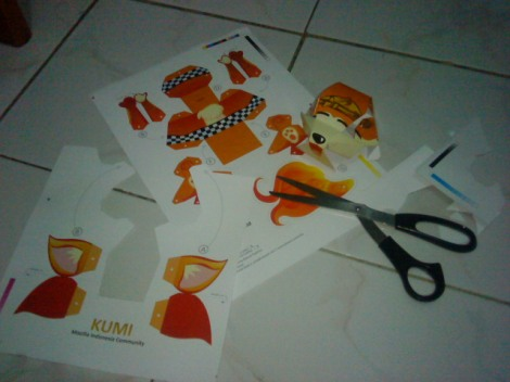 paper toy - kumi - firefox indonesia - step 1