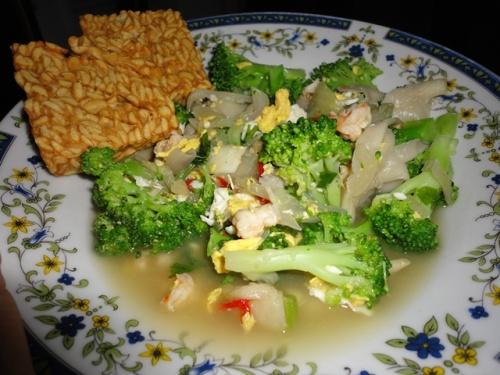 Tumis_brokoli_jamur
