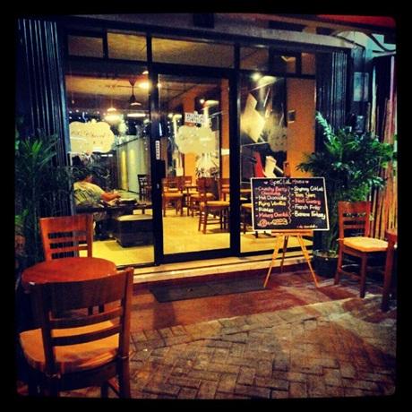 de chocolat cafe - entrance